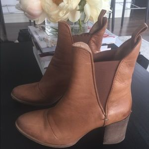 Zara brown leather boots